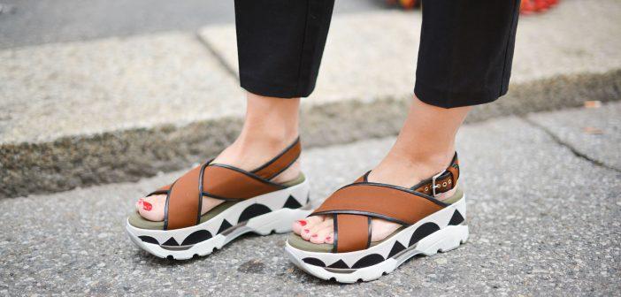 Modele de sandale de damă pentru zile însorite